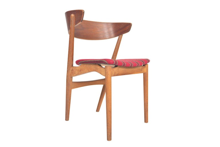 20th Century Set of Six Model 7 Helge Sibast Teak and Oak Danish Modern Dining Chairs For Sale