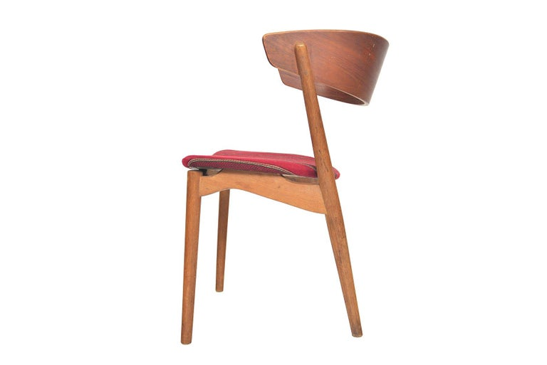 Set of Six Model 7 Helge Sibast Teak and Oak Danish Modern Dining Chairs For Sale 2
