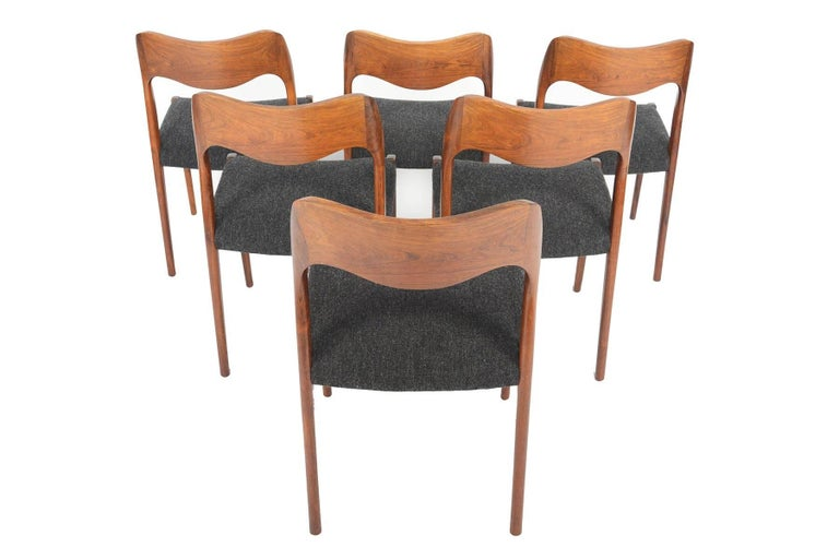 Scandinavian Modern Set of Six Moller Model 71 Midcentury Dining Chairs in Brazilian Rosewood