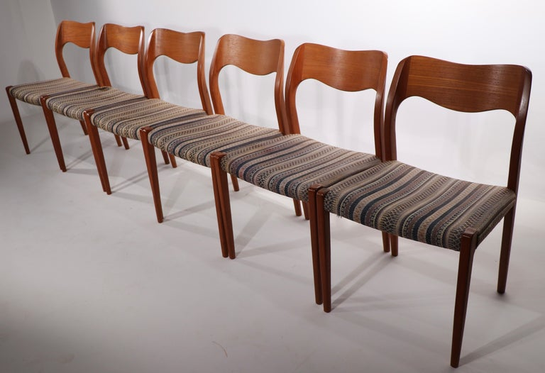 Set of Six Niels Moller Design Dinging Chairs Model 71 by J.L. Mollers Denmark For Sale 2