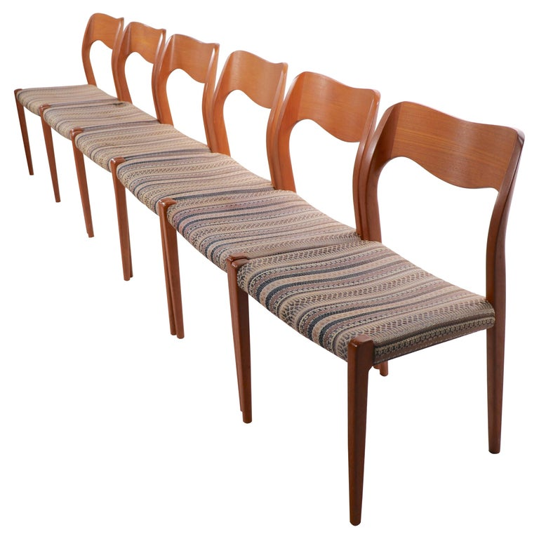 Set of Six Niels Moller Design Dinging Chairs Model 71 by J.L. Mollers Denmark For Sale