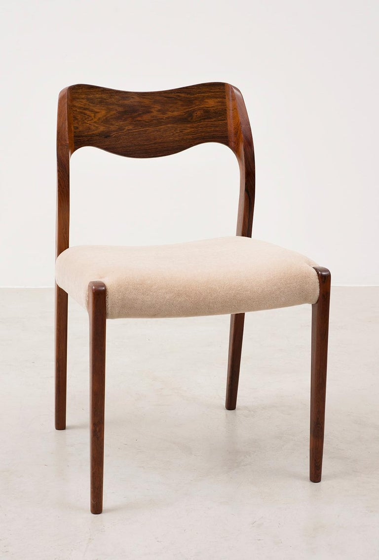 Scandinavian Modern Set of Six Niels Moller Dining Chairs Model #71 in Rosewood and Velvet Mohair For Sale