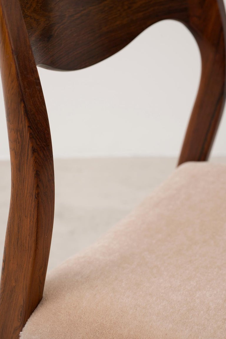Set of Six Niels Moller Dining Chairs Model #71 in Rosewood and Velvet Mohair For Sale 2