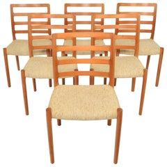 Set of Six N.O. Møller Model 85 Dining Chairs in Teak