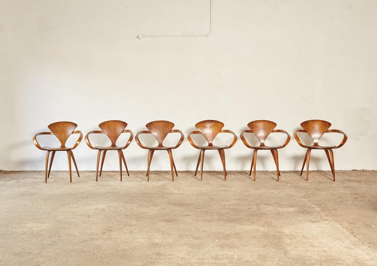 Set of Six Norman Cherner Pretzel Dining Chairs, Made by Plycraft, USA, 1960s In Good Condition For Sale In London, GB