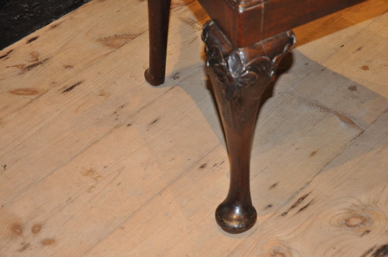 Set of Six Period 18th Century George II Walnut Dining Chairs In Good Condition For Sale In Essex, MA