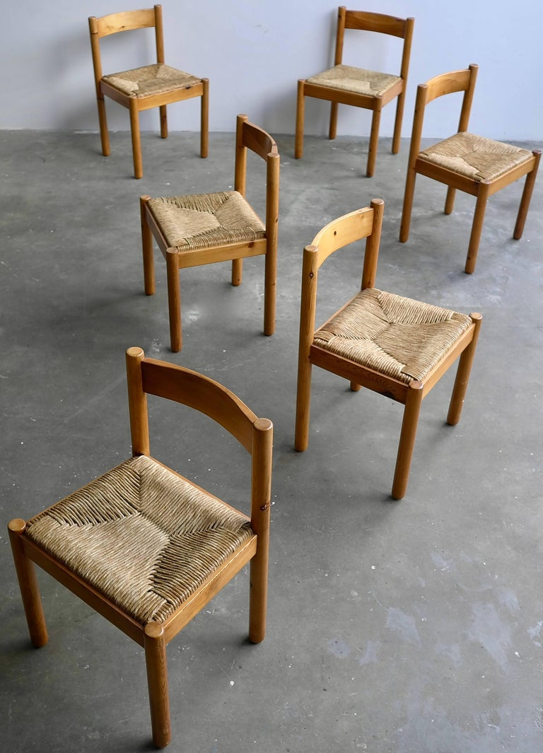 Set of Six Pine and Wicker Chairs in Style of Charlotte Perriand In Good Condition For Sale In The Hague, NL