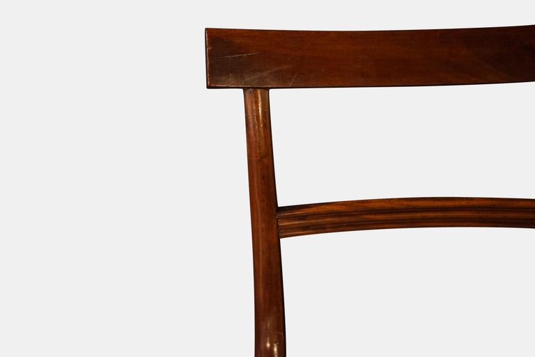 Set of Six Regency Mahogany Dining Chairs on Sabre Legs In Good Condition For Sale In Salisbury, GB
