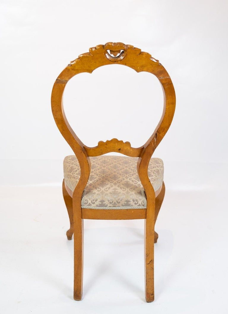 Mid-18th Century Set of Six Rococo Dining Room Chairs of Light Mahogany, 1760s For Sale
