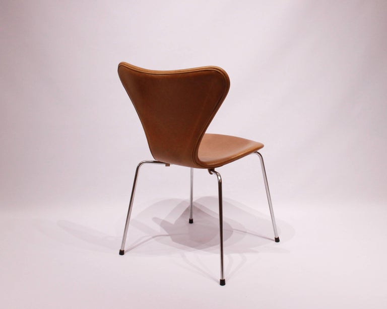 Danish Set of Six, Seven Chairs Model 3107 by Arne Jacobsen and Fritz Hansen For Sale