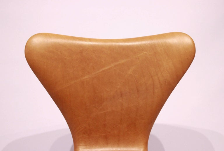 Mid-20th Century Set of Six, Seven Chairs Model 3107 by Arne Jacobsen and Fritz Hansen For Sale