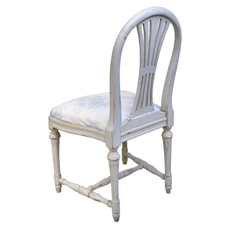 Set of Six Swedish Gustavian-Style Painted Dining Chairs,  c. 1890-1819 For Sale 6