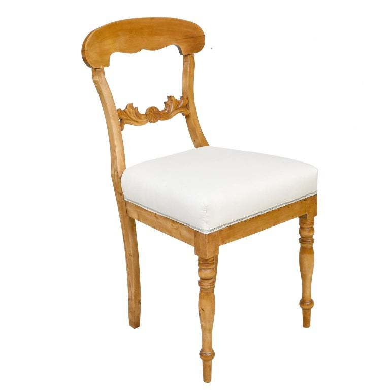 Set of Six Swedish Karl Johan Biedermeier Dining Chairs in Birch, circa 1825 For Sale 4