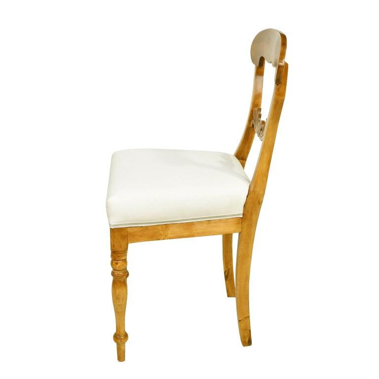 Early 19th Century Set of Six Swedish Karl Johan Biedermeier Dining Chairs in Birch, circa 1825 For Sale