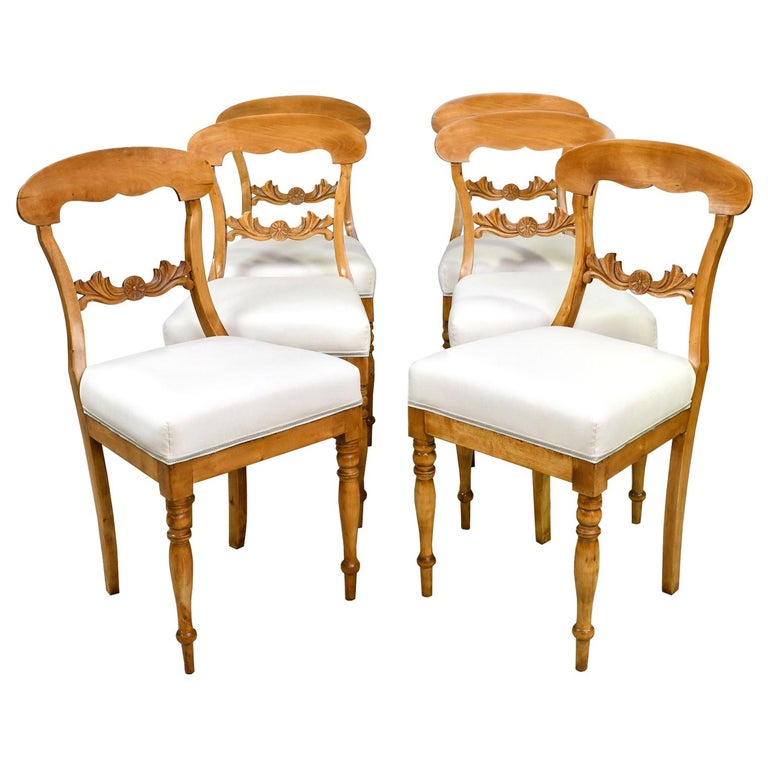 Set of Six Swedish Karl Johan Biedermeier Dining Chairs in Birch, circa 1825 For Sale