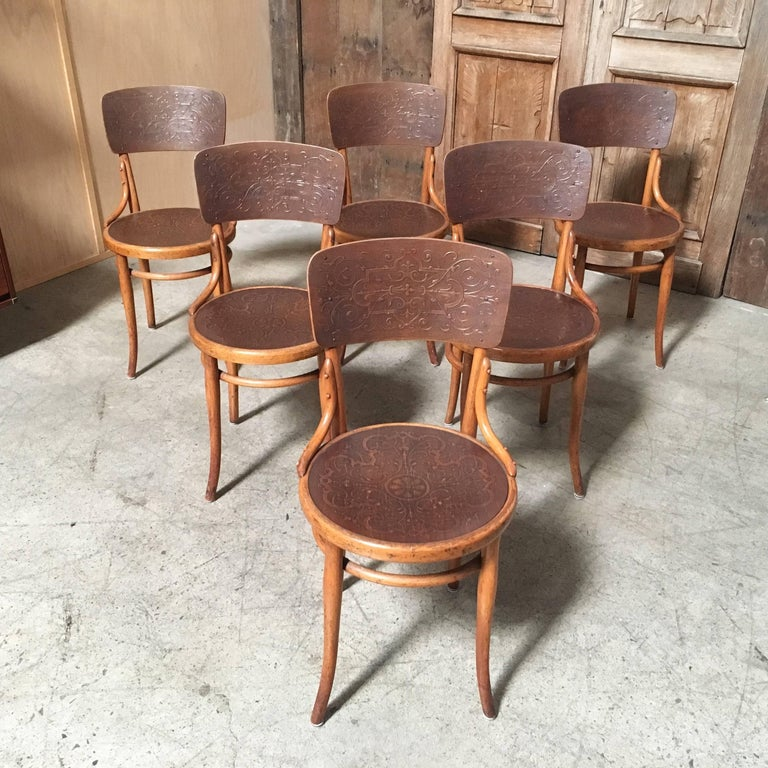Embossed Set of Six Thonet Bentwood Dining Chairs For Sale