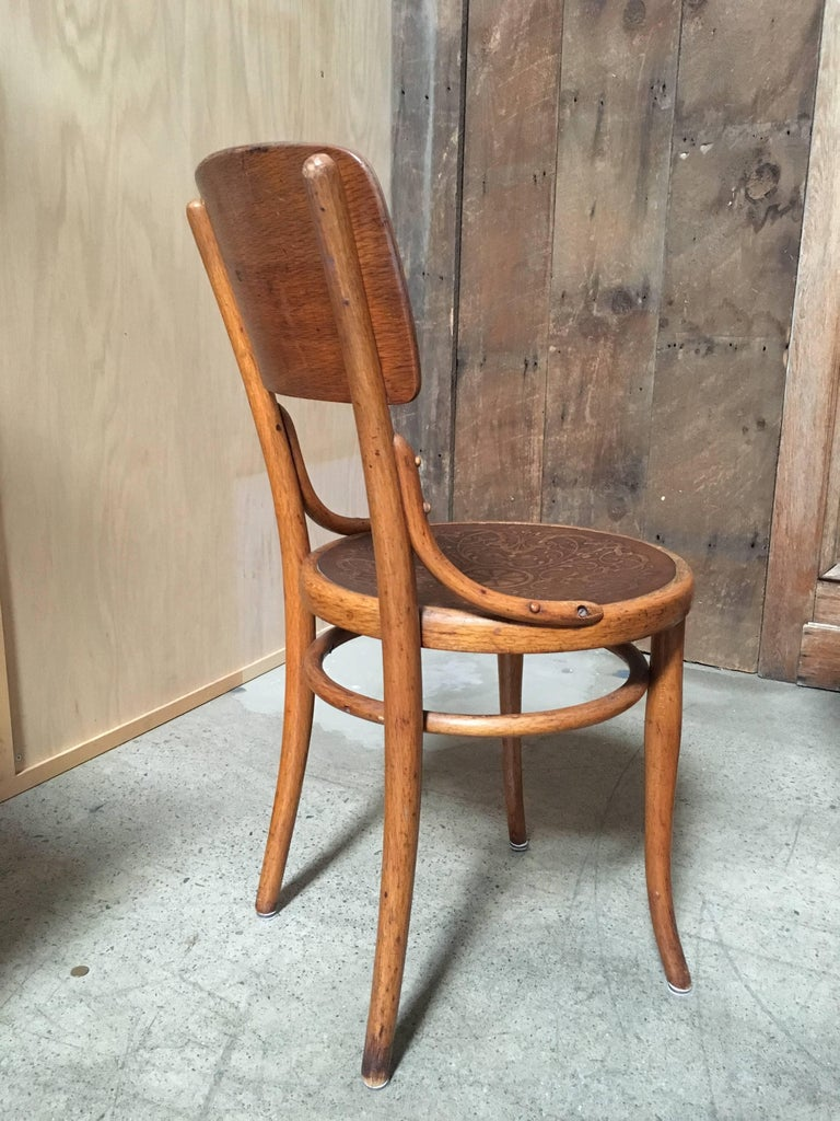 Set of Six Thonet Bentwood Dining Chairs In Good Condition For Sale In Laguna Hills, CA