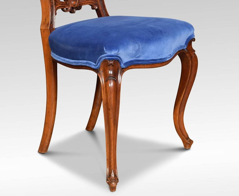 Set of Six Victorian Walnut Dining Room Chairs In Good Condition For Sale In Cheshire, GB