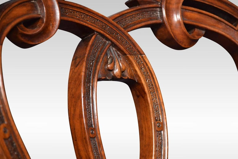 19th Century Set of Six Victorian Walnut Dining Room Chairs For Sale