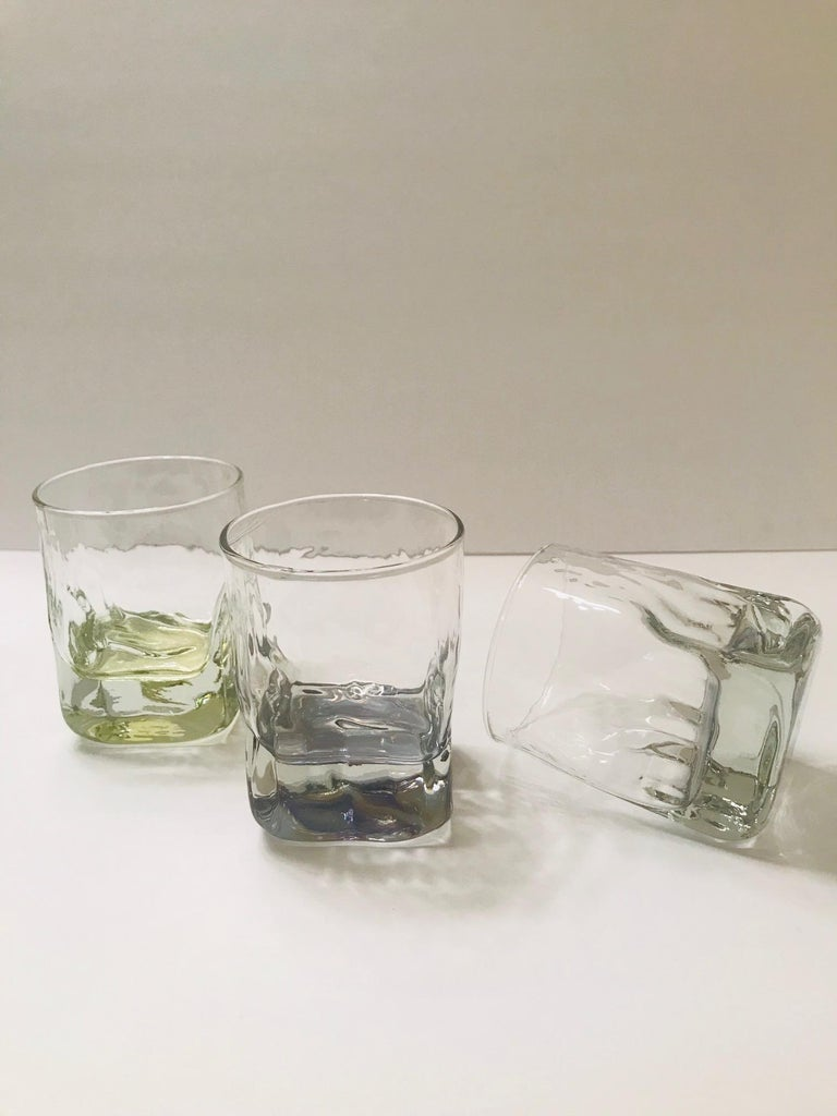 Set of Six Vintage Iridescent Whiskey Glasses with Ice Glass Design For Sale 2