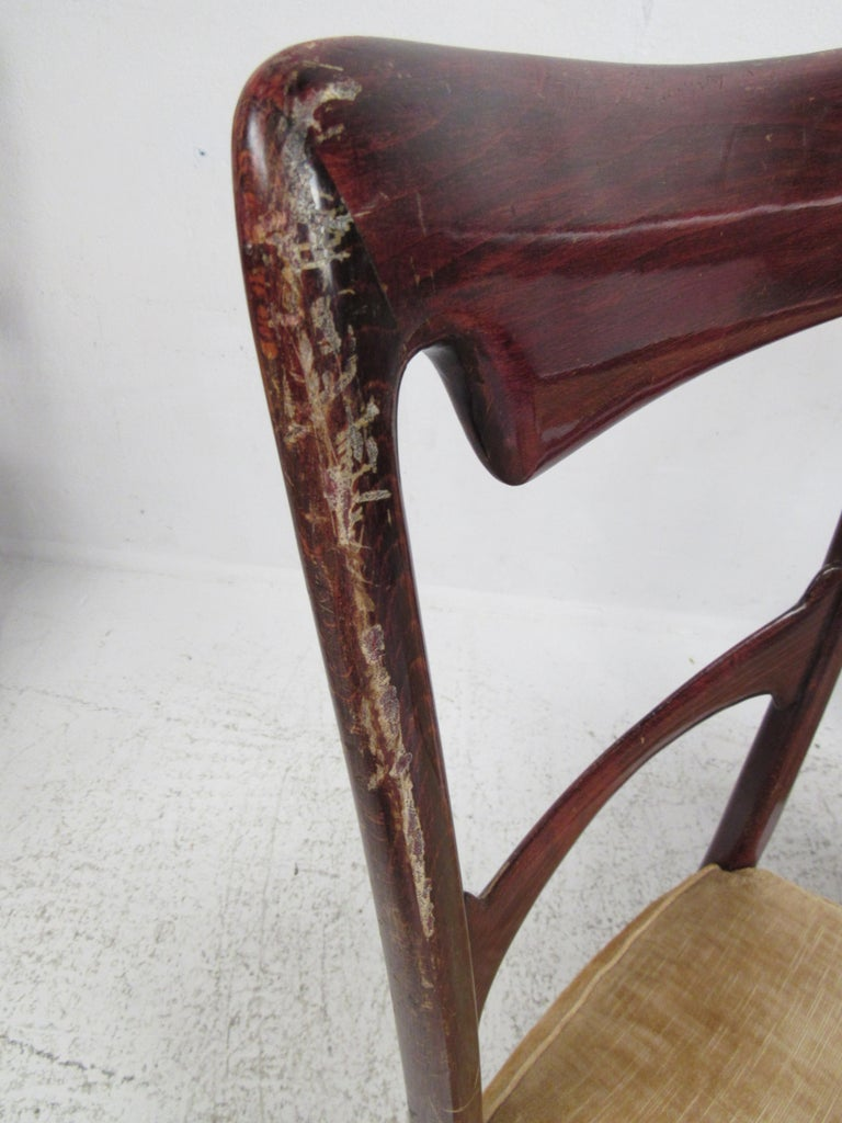 Set of Six Vintage Modern Italian Dining Chairs For Sale 1