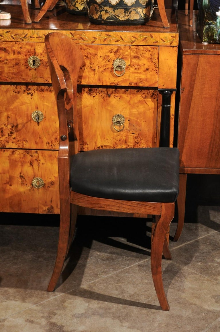 Set of Six Walnut 1840s Biedermeier Austrian Dining Room Chairs with Fan Backs For Sale 6