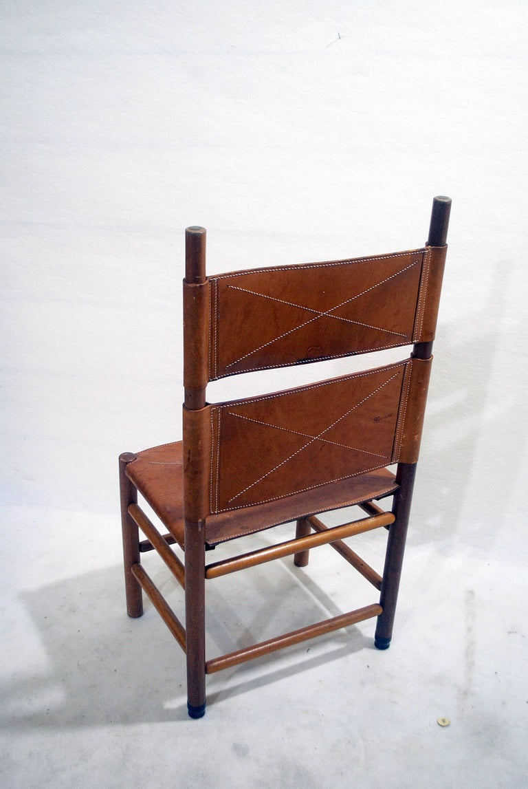 Italian Set of Six Walnut and Cognac Leather Chairs by Carlo Scarpa for Bernini, 1977 For Sale
