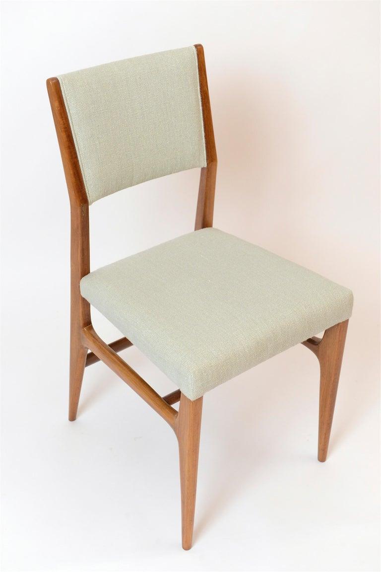 Italian Set of Six Walnut Gio Ponti '602' Chairs by Cassina, Italy, circa 1955 For Sale