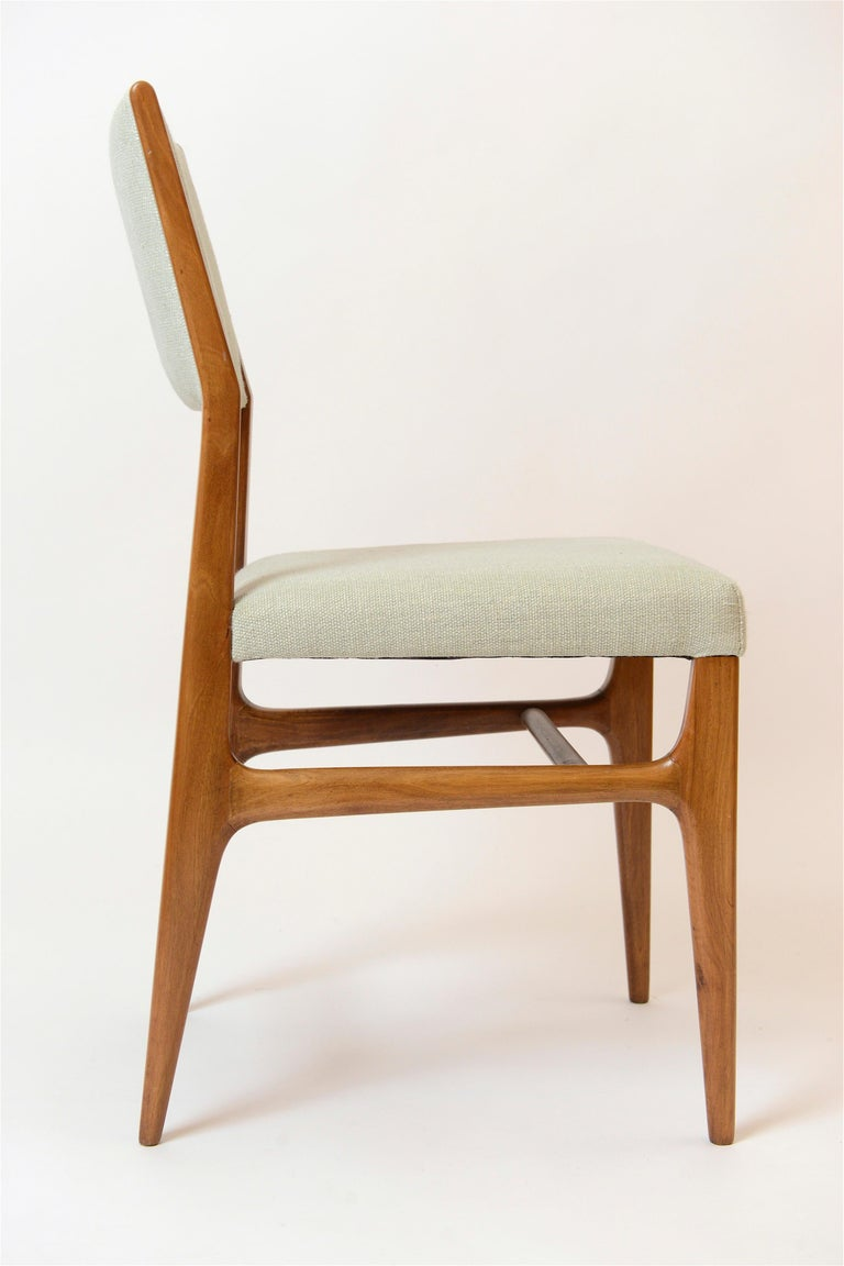Set of Six Walnut Gio Ponti '602' Chairs by Cassina, Italy, circa 1955 In Good Condition For Sale In London, GB