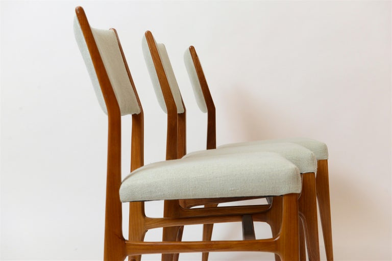 Mid-20th Century Set of Six Walnut Gio Ponti '602' Chairs by Cassina, Italy, circa 1955 For Sale