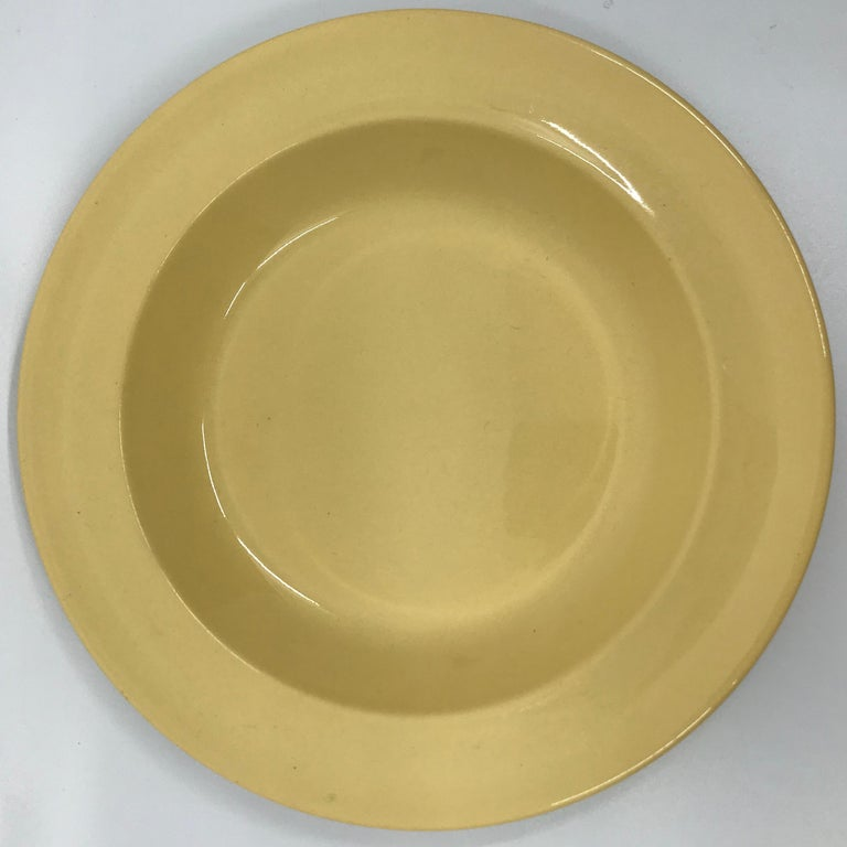 English Set of Six Wedgwood Yellow Plates For Sale