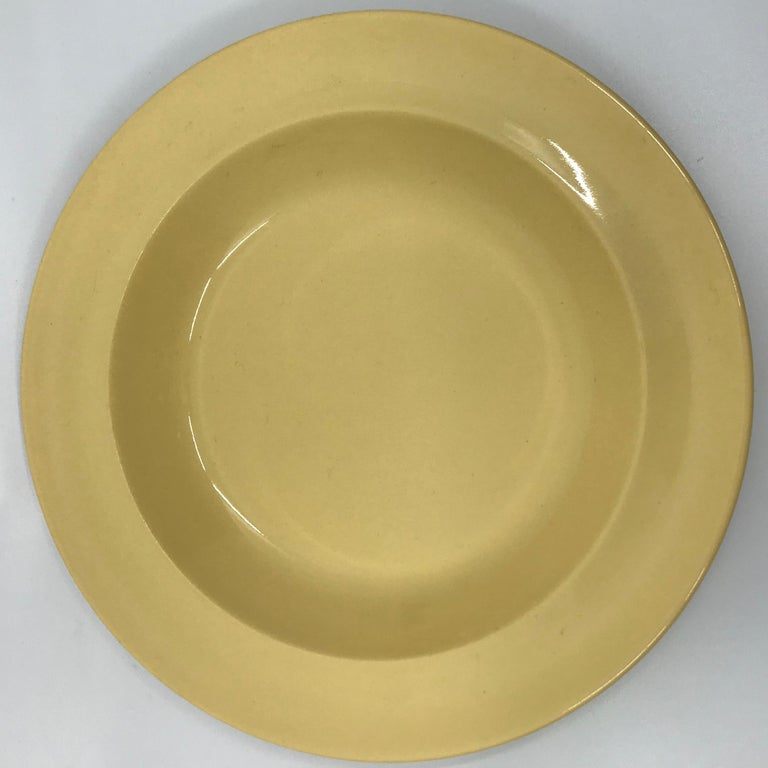 Creamware Set of Six Wedgwood Yellow Plates For Sale