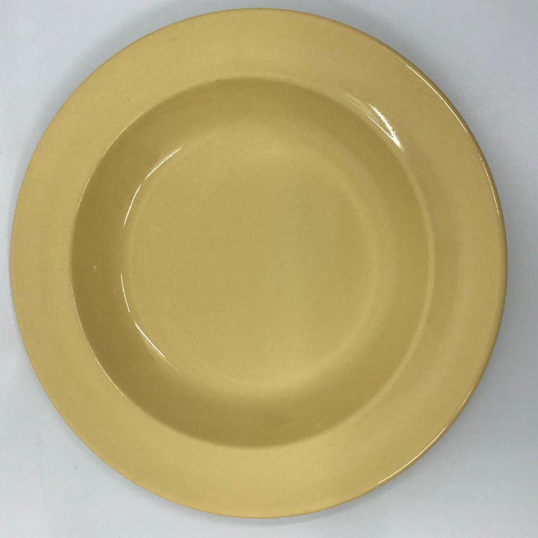 Set of Six Wedgwood Yellow Plates For Sale 1