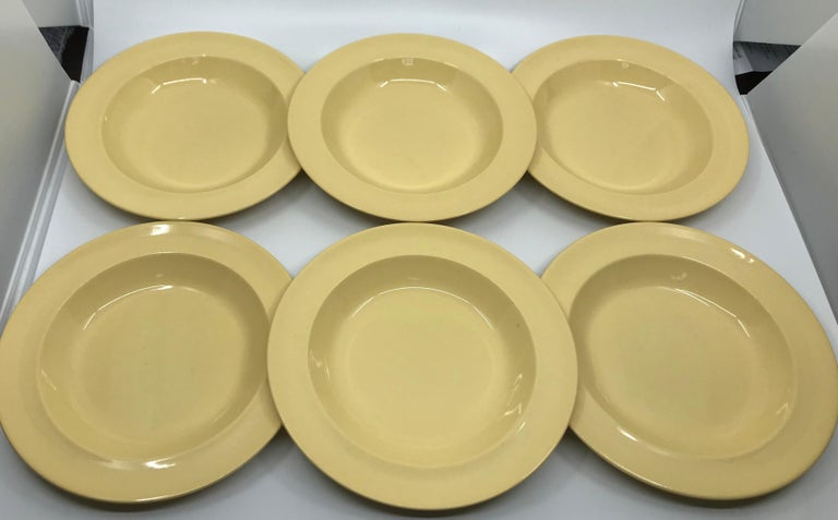 Set of Six Wedgwood Yellow Plates For Sale 2