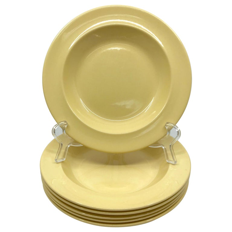 Set of Six Wedgwood Yellow Plates For Sale