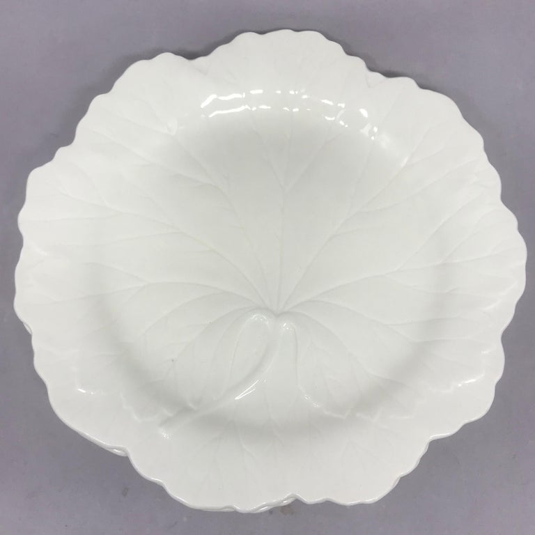 Set of Six White Wedgwood Grape Leaf Plates In Good Condition For Sale In New York, NY