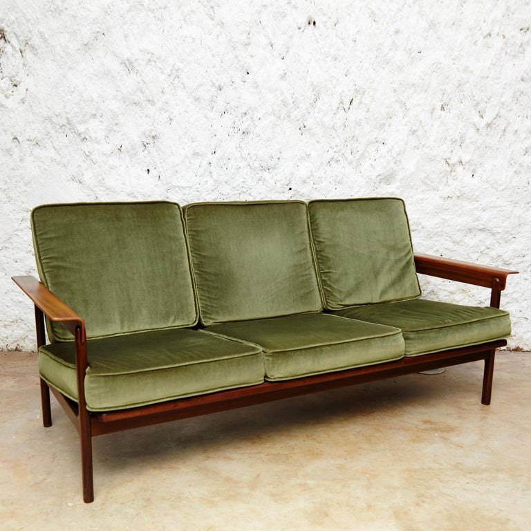 Set of Teak Wood Three-Seat Sofa and Two Easy Chairs, circa 1960 For Sale 9