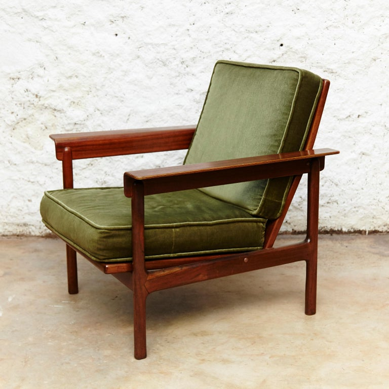 Spanish Set of Teak Wood Three-Seat Sofa and Two Easy Chairs, circa 1960 For Sale