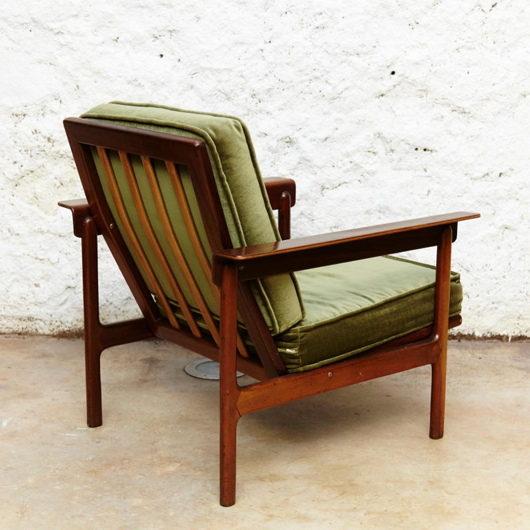 Mid-20th Century Set of Teak Wood Three-Seat Sofa and Two Easy Chairs, circa 1960 For Sale