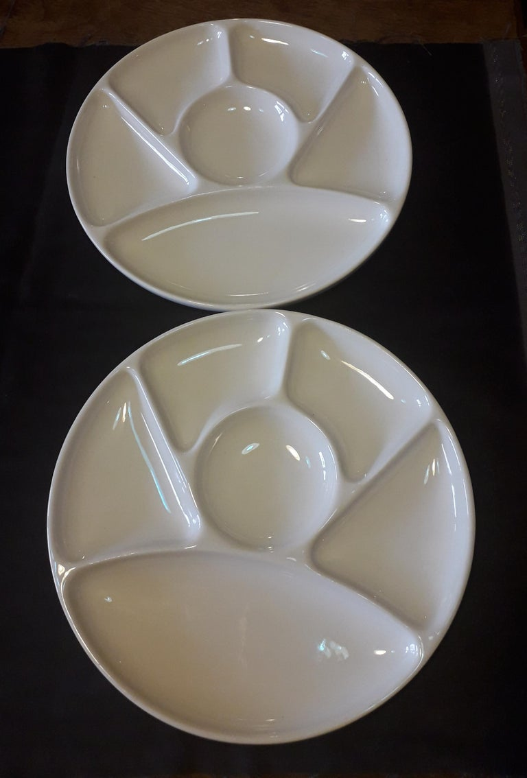 Set of Ten Faience Fondue White Diner Plates Dishes, by Gien, France In Good Condition In Paris, FR