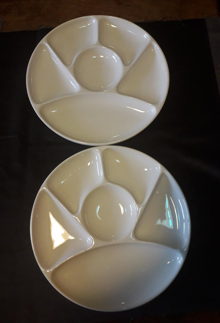 Mid-20th Century Set of Ten Faience Fondue White Diner Plates Dishes, by Gien, France