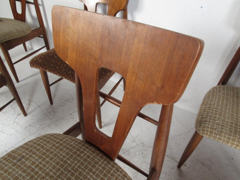 Set of Ten Mid-Century Modern Walnut Dining Chairs For Sale 5
