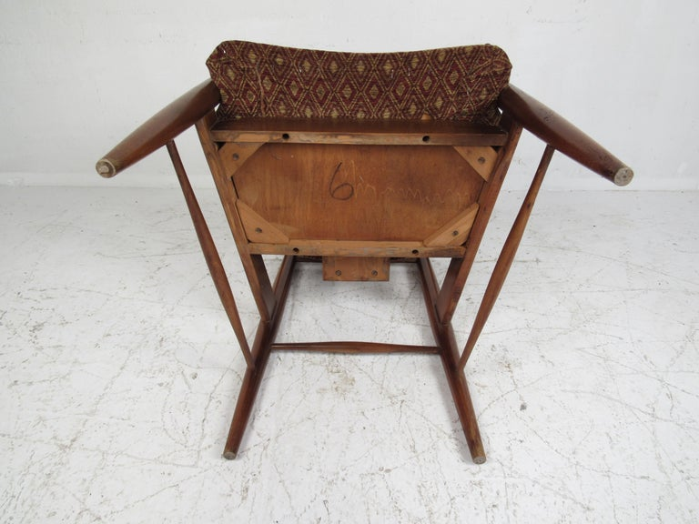 Set of Ten Mid-Century Modern Walnut Dining Chairs For Sale 1