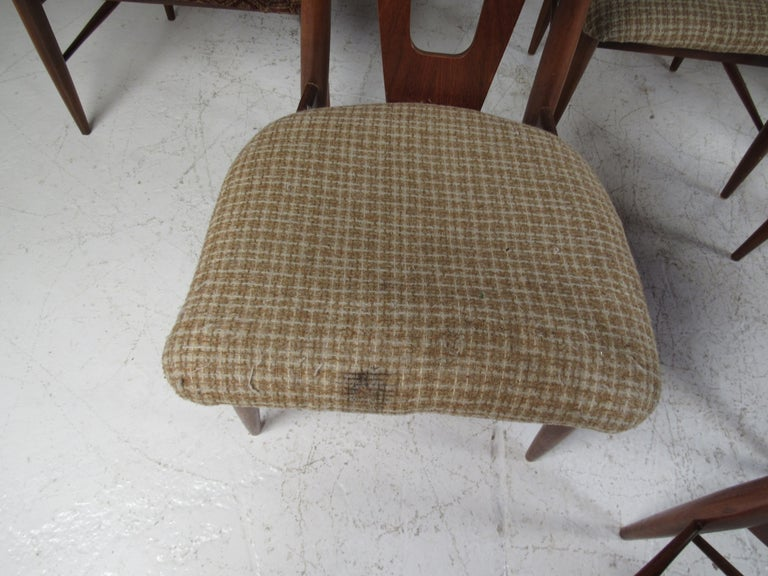 Set of Ten Mid-Century Modern Walnut Dining Chairs For Sale 2