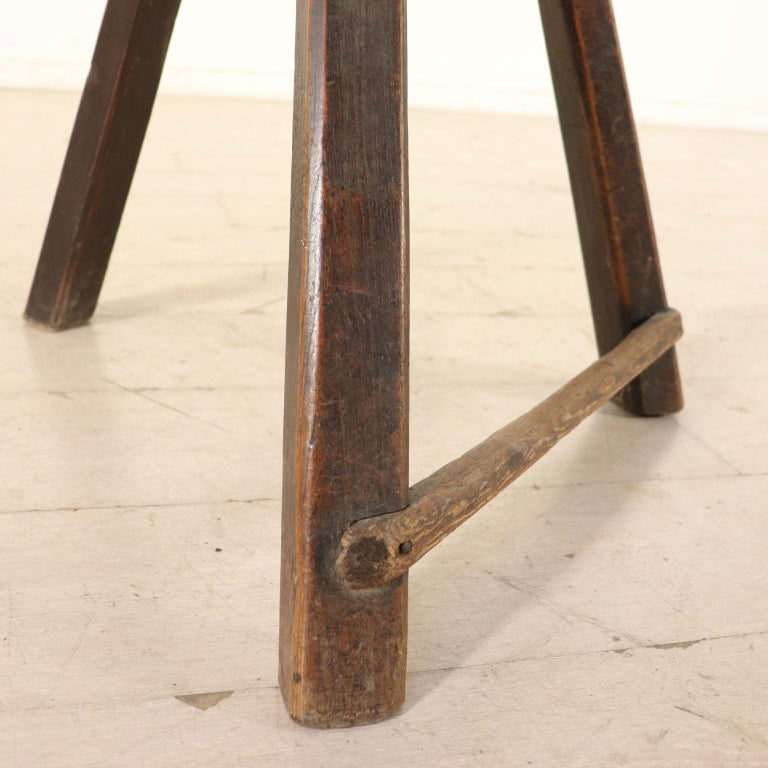 Set of Ten Stools Walnut Manufactured in Italy 17th Century For Sale 4