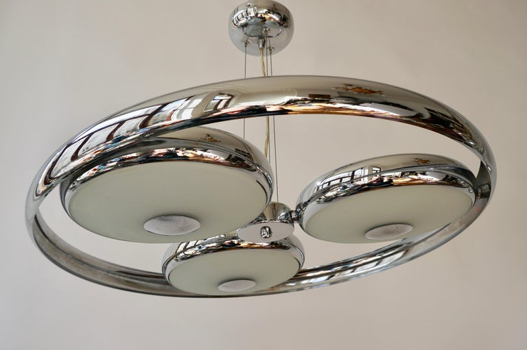 One off Three Adjustable Italian Glass and Chrome Ufo Chandeliers For Sale 6