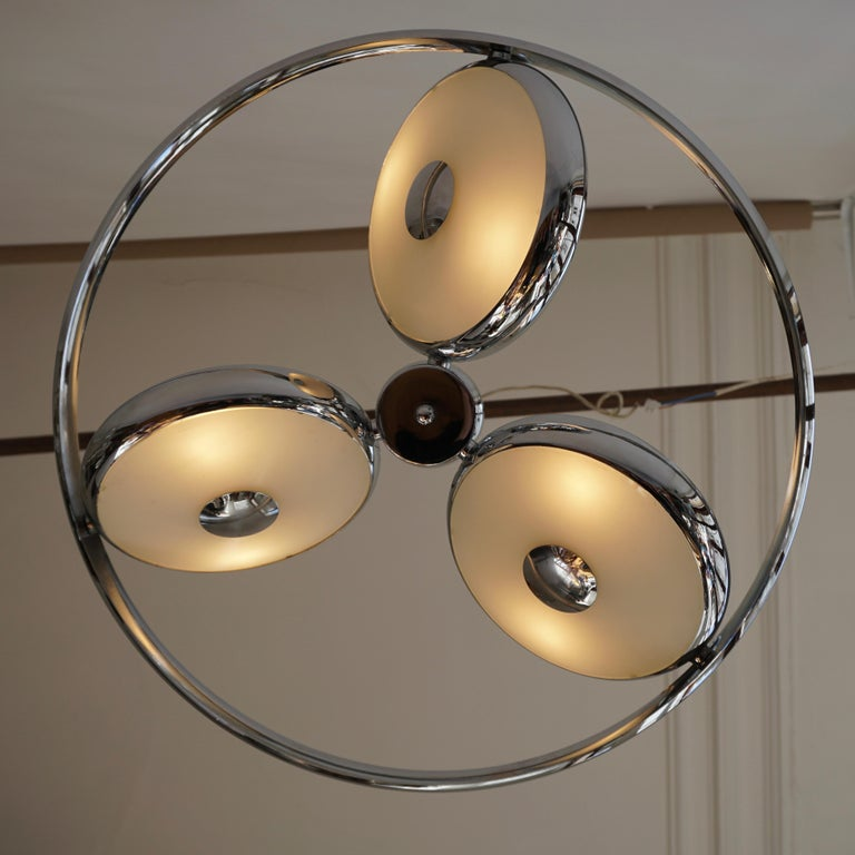 One off Three Adjustable Italian Glass and Chrome Ufo Chandeliers For Sale 8