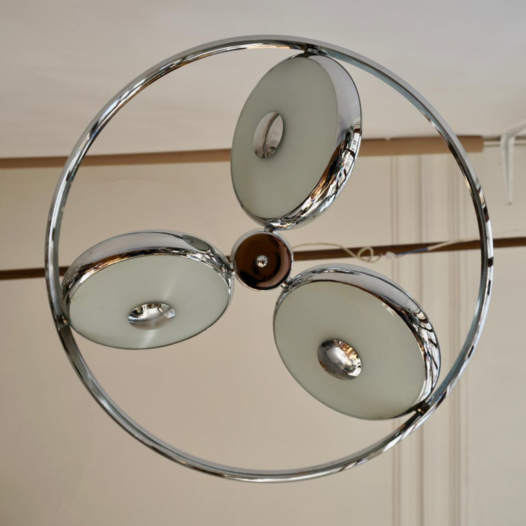 One off Three Adjustable Italian Glass and Chrome Ufo Chandeliers For Sale 9