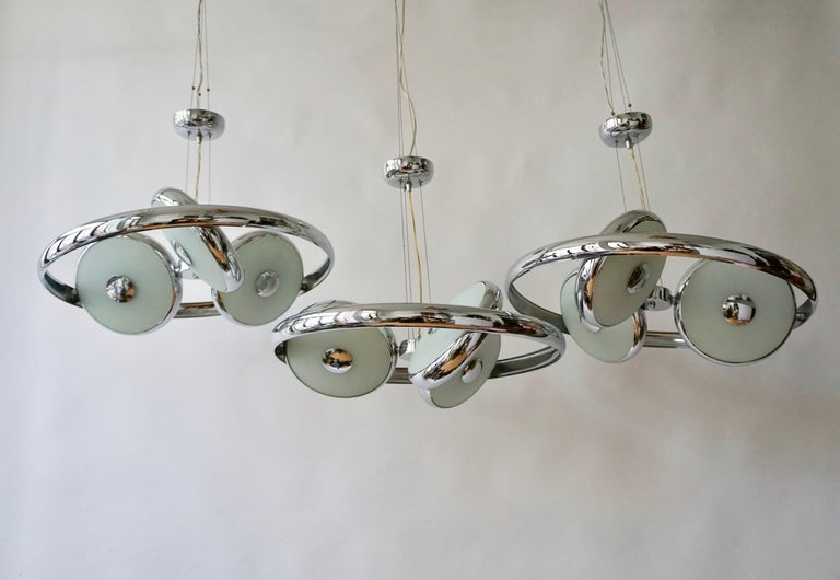 One off Three Adjustable Italian Glass and Chrome Ufo Chandeliers For Sale 12