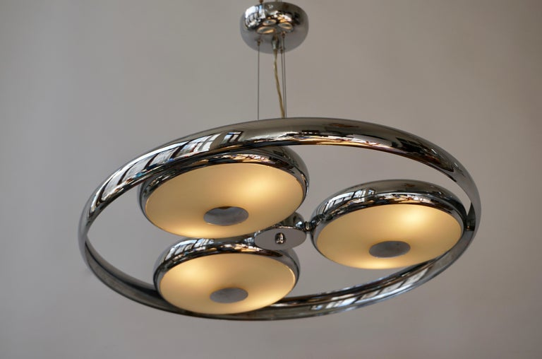 20th Century One off Three Adjustable Italian Glass and Chrome Ufo Chandeliers For Sale
